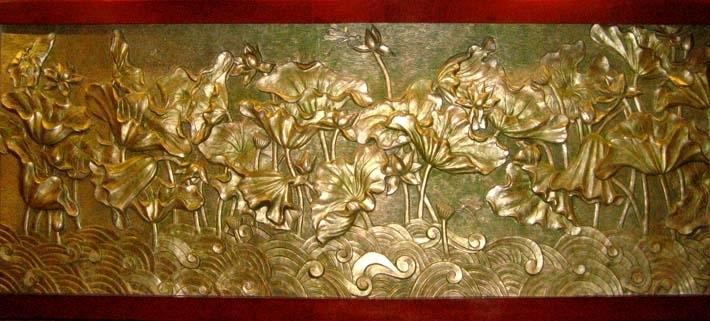 Tranh đồng hoa sen treo phòng thờ phật