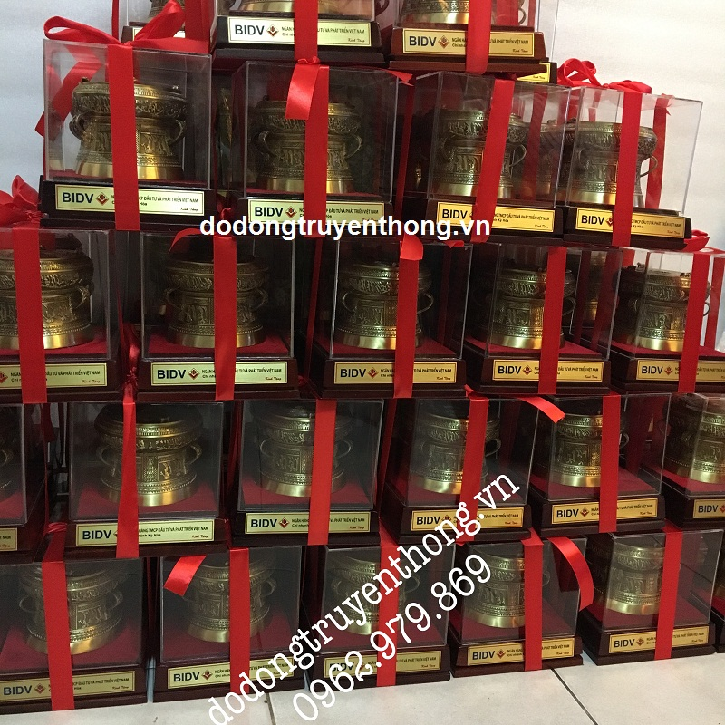 Trống đồng quà tặng ngân hàng BIDV quận Tân Bình