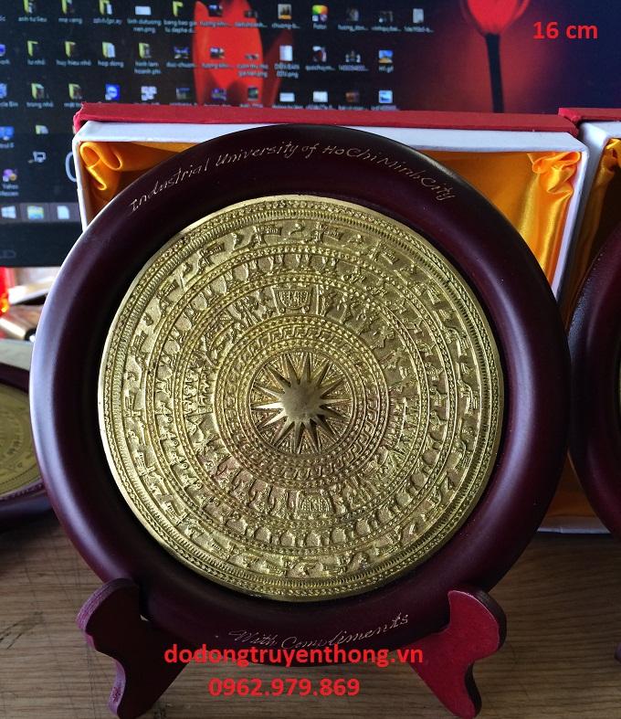 Đĩa mặt trống đồng để bàn lưu niệm