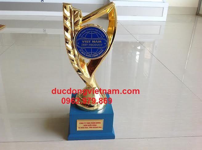 Cúp bằng đồng tặng giải bóng đá cho công ty