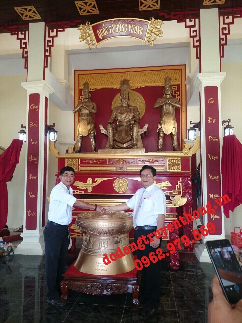 Đúc tượng đồng vua hùng cao 2 m