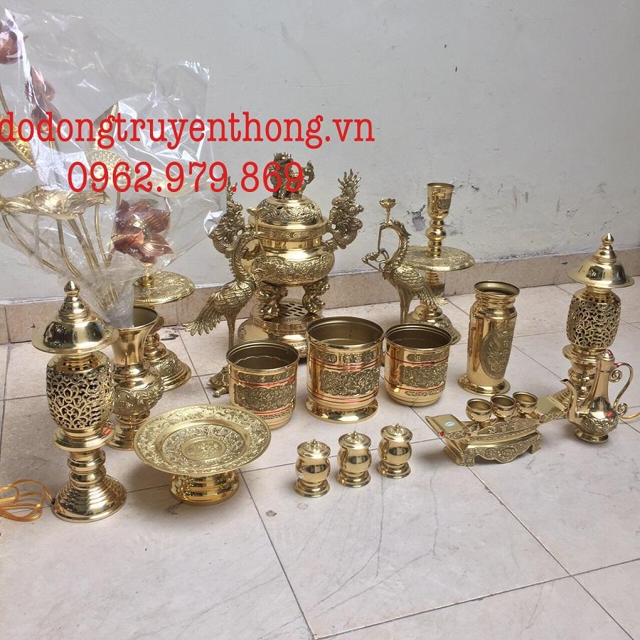 Giá bộ lư đồng dapha cho bàn thờ 1.75 m cao 61 cm