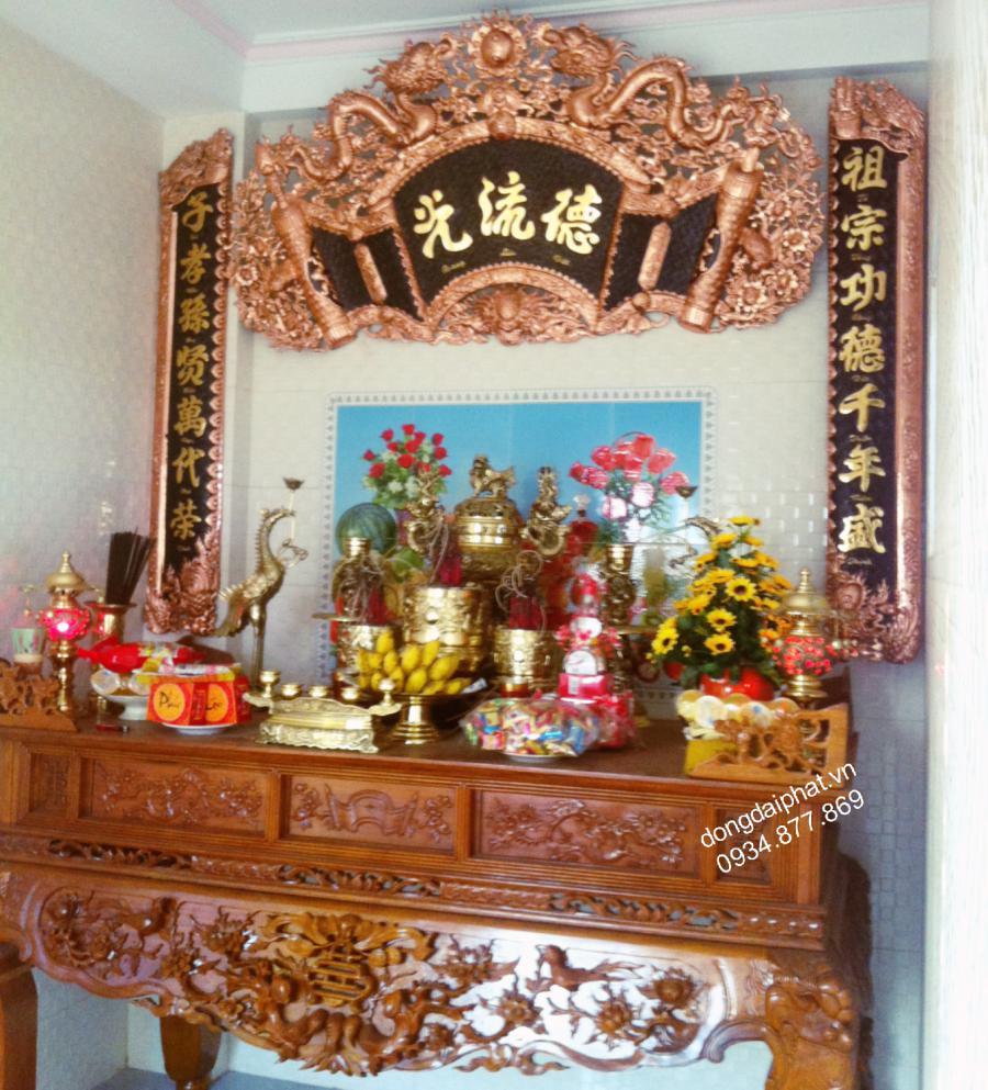 Bộ hoành phi câu đối Đức Lưu Quang đồng đỏ  chữ mạ vàng