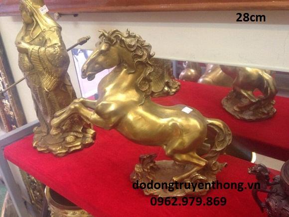 Tượng ngựa bằng đồng tặng Sếp ý nghĩa