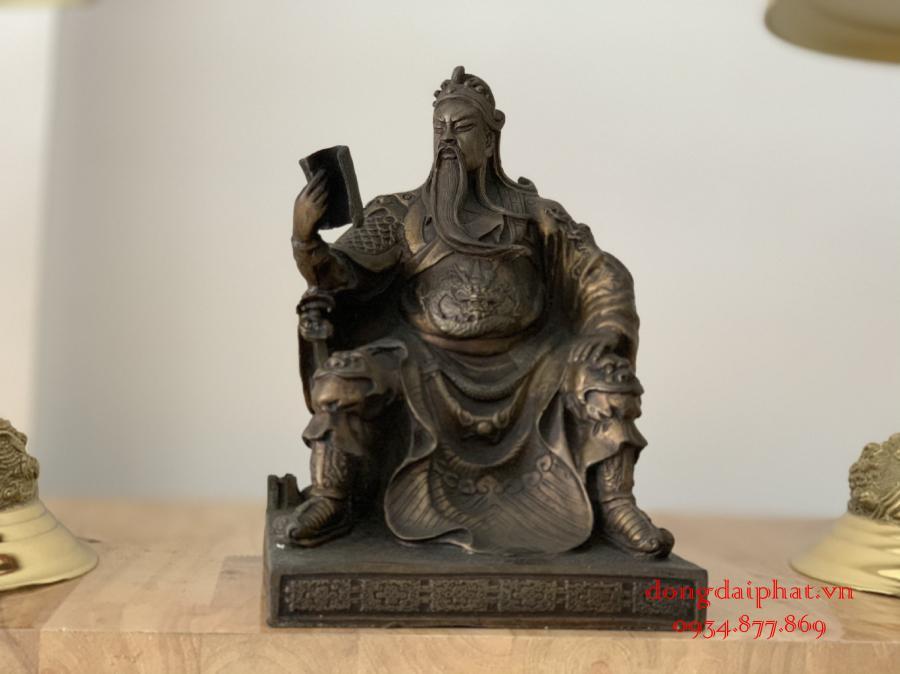 Tượng quan công bằng đồng cầm đao cao 30 cm